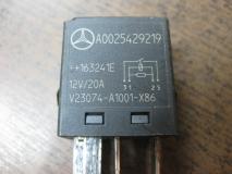 Реле Mercedes Benz W463