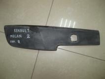 Накладка переднего бампера правая Renault Megane II