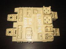 Блок предохранителей салонный Hyundai Elantra 2000-2005