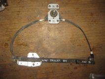 Стеклоподъемник механический задний правый VW Passat B4