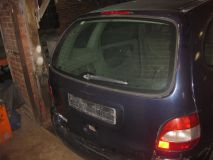 Дверь багажника со стеклом Renault Scenic 1999-2002