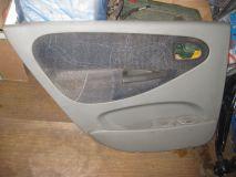 Обшивка двери задней левой Renault Scenic 1999-2002