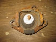 Опора двигателя правая Renault Scenic 1999-2002