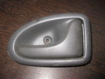 Ручка двери внутренняя правая Renault Scenic 1999-2002