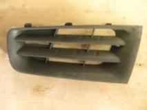Решетка радиатора левая Renault Megane II