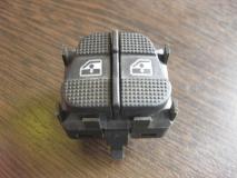 Переключатель стеклоподъемника VW Golf III