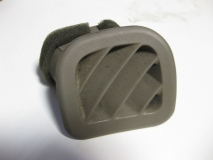 Дефлектор в торпедо верхний правый Mitsubishi Galant EA