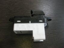 Кнопка стеклоподъемника задняя левая Mazda 6 GG
