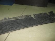 Планка под лобовое стекло Mercedes Benz W163