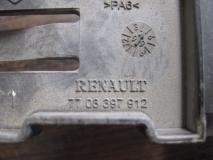 Фиксатор блока предохранителей Renault Scenic